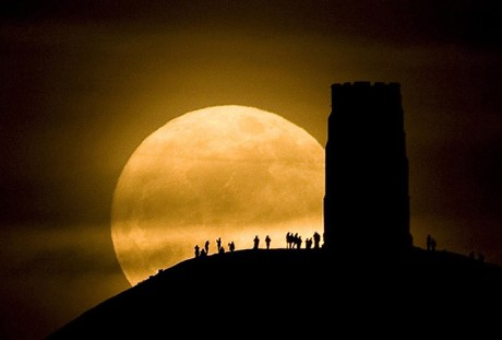 SuperMoon @ Glastonbury Tor