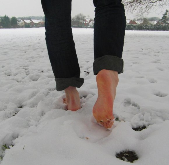 blog-image-barefoot-snow