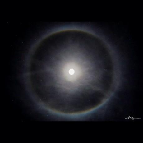 moon-halo-Aaron-Robinson-1-30-2015-e1422620675286