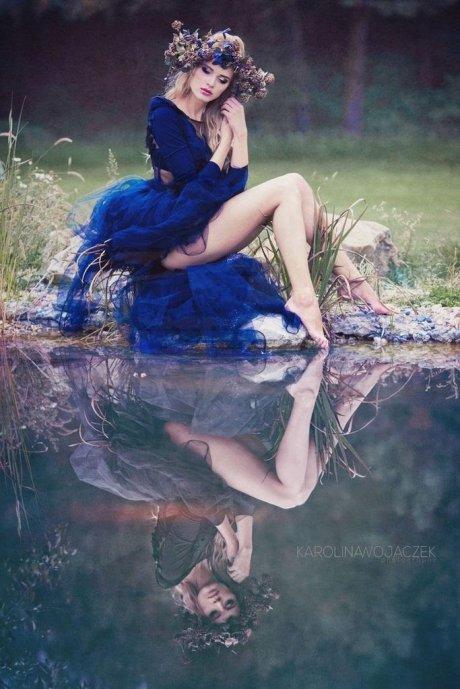 barefoot-blue-dress-outside