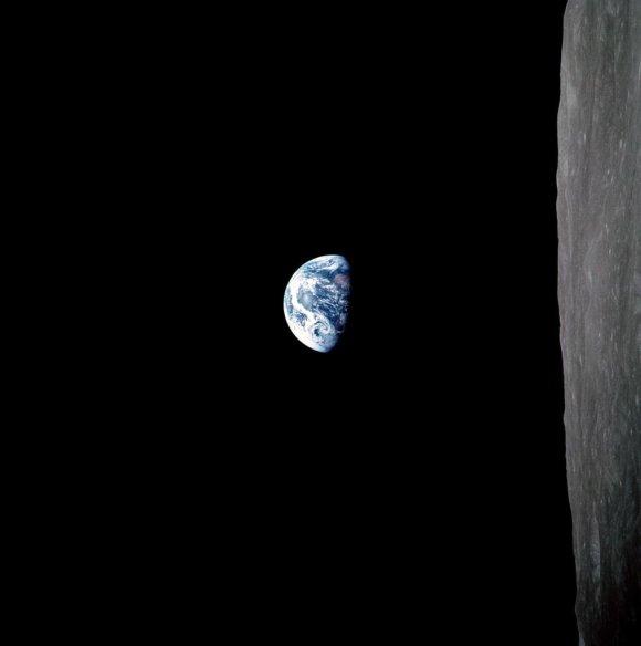 earthrise-2